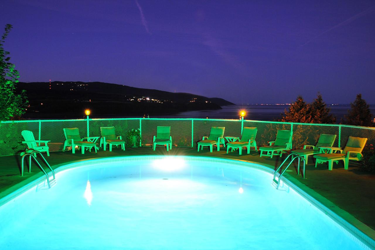 Forfait massage avec acc s au spa auberge des falaises for Forfait piscine