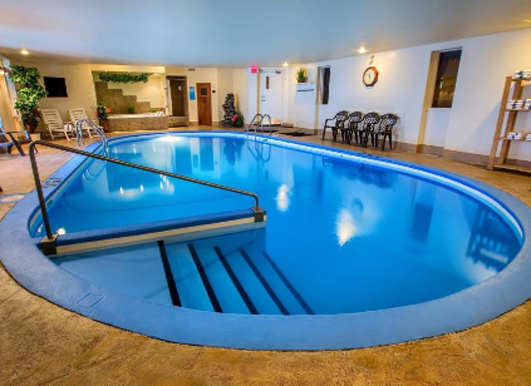 Forfait village vacances valcartier le ch teauguay h tel for Forfait piscine